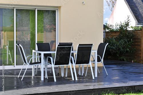 Salon de Jardin sur Terrasse Composite Anthracite - Buy this stock ...