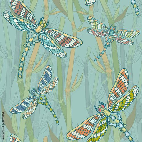 fantazja-bezszwowy-wzor-z-dragonflies-na-jeziorze