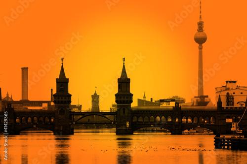 Foto-Leinwand - Berlin Oberbaumbrücke Skyline