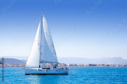Fotografía  sailboat sailing in Mediterranean sea in Denia