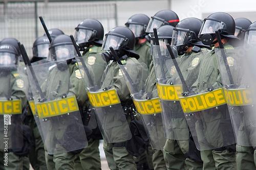 Fotografiet Riot policemen