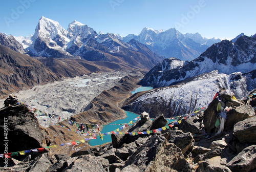 Montage in der Fensternische Nepal Gokyo Lake, Everest Area, Nepal