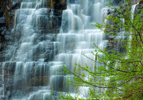 naturalny-wodospad
