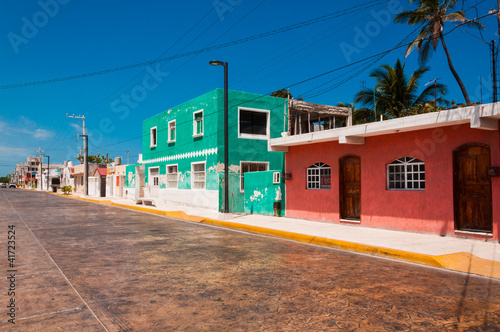Poster Afrique du Sud Colorful street in town of Progreso Yucatan Mexico
