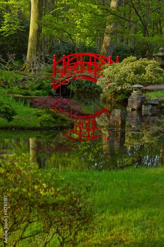 Foto op Plexiglas Groene Japanese garden with bridge