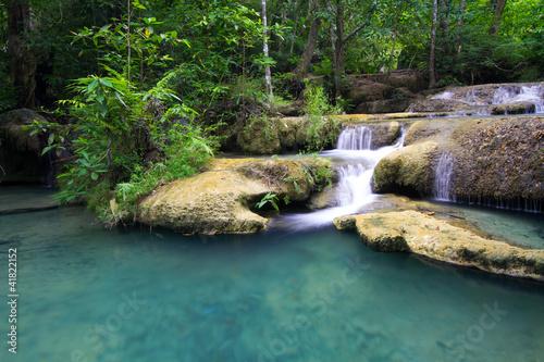 piekna-erawan-siklawa-kanchanaburi-tajlandia