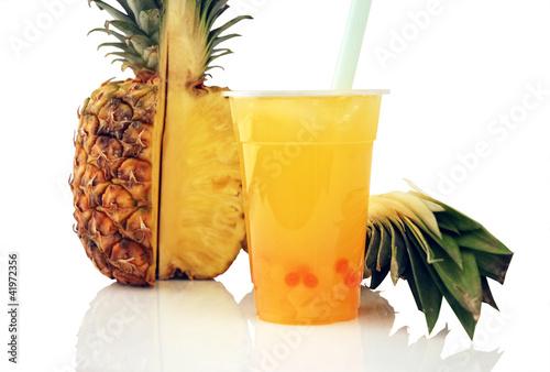 Bubble Tea Ananas mit Spiegelung