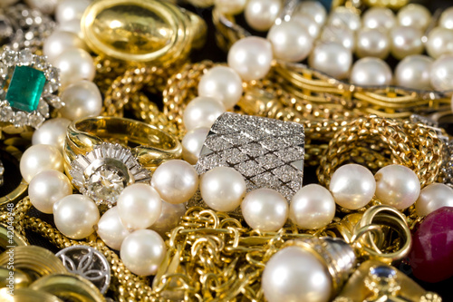 Jewelry, gold, necklaces, rings, bracelets, watch, wealth - 42046948