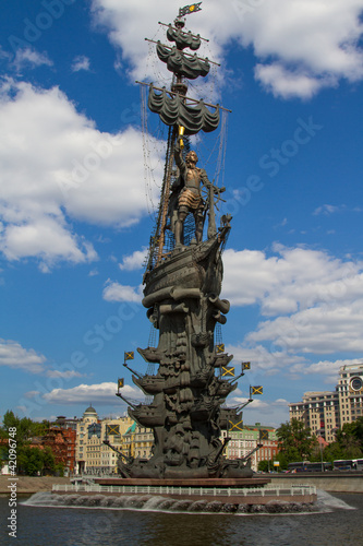 In de dag Monument Peter the Great sculpture in Moscow