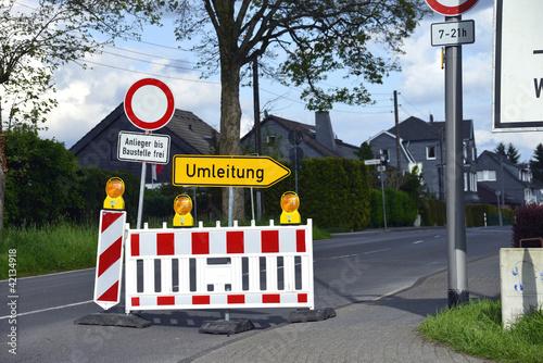 Fotografie, Obraz  Umleitung, Baustelle, Straßenbau, Umweg, Straßensperre, Sperre