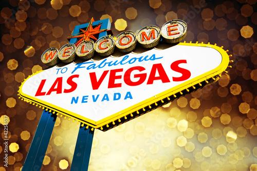 Foto op Aluminium Las Vegas welcome to Fabulous Las Vegas Sign with beautiful background