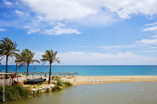 Foto-Kissen - Beach and Sea on Costa del Sol (von Artur Bogacki)