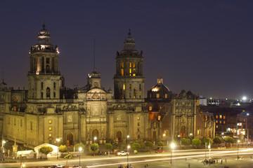 Fototapeta na wymiar zocalo in mexico city at night