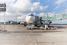 Aéroport, Avion En Zone D'embarquement