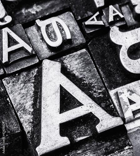 metalowe-litery