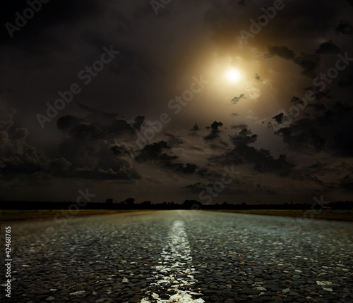 Poster Pleine lune sunset and road
