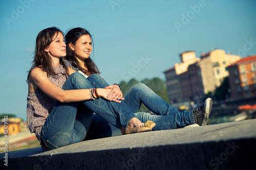 Fotografía  Two friends outdoor lifestyle