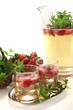 Maibowle mit Erdbeeren und Waldmeister