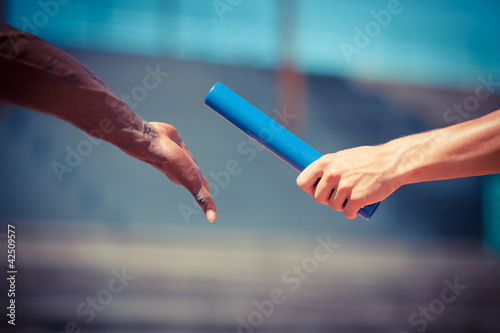 Foto-Schmutzfangmatte - Passing the Relay Baton (von william87)