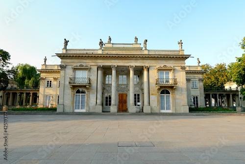 Schloss Im Lazienki Park In Warschau Buy This Stock Photo And
