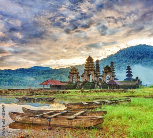 Foto op Plexiglas Indonesië Komala Tirta
