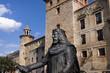 Escultura del conde Sancho García en Oña (Burgos)