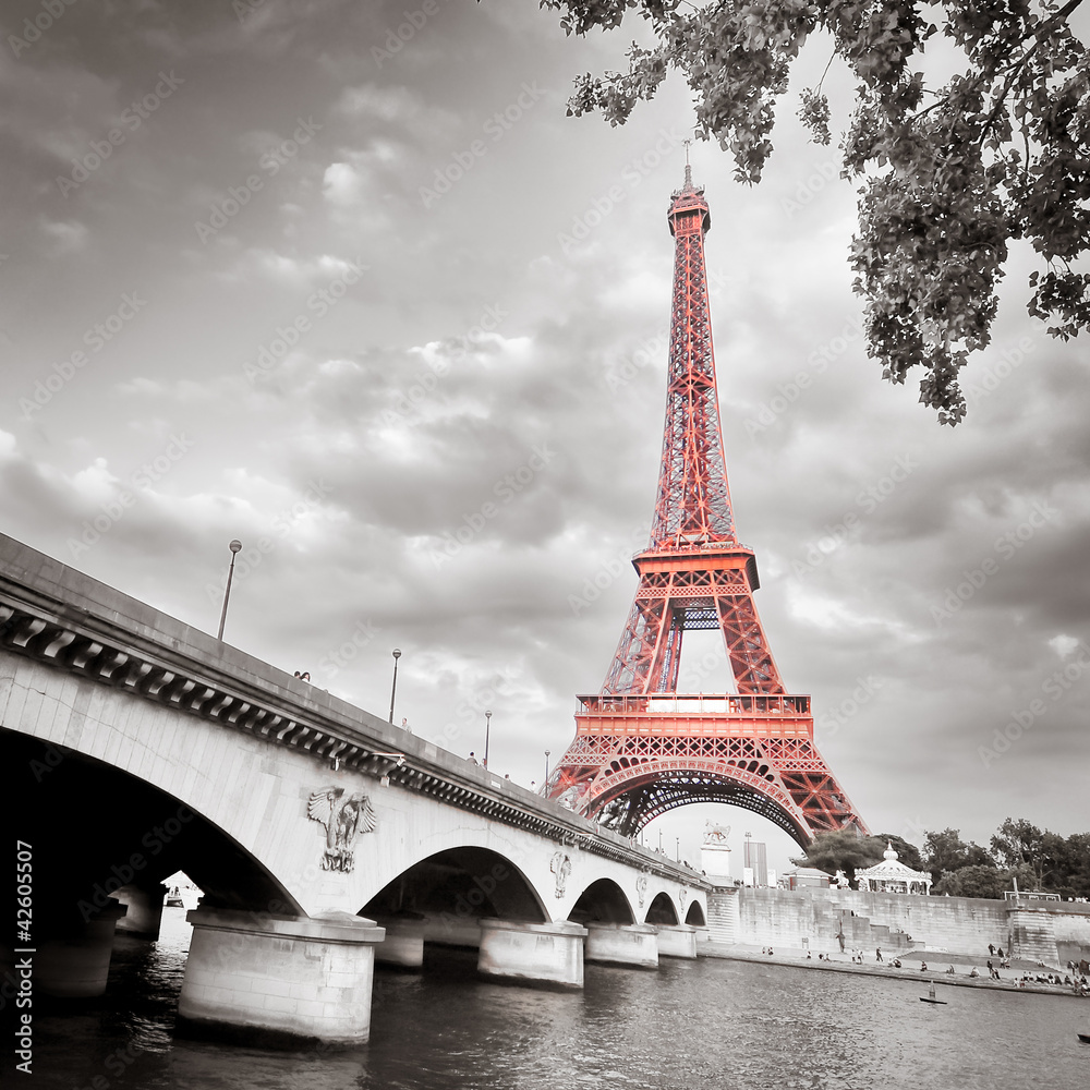 Fototapeta Eiffel tower monochrome selective colorization