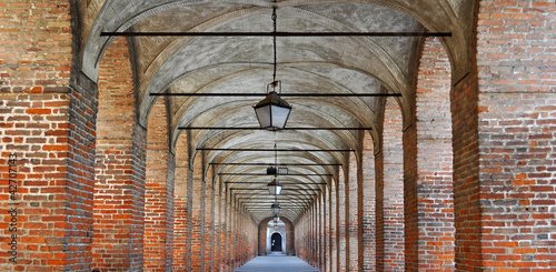 red bricks colonnade Fototapeta