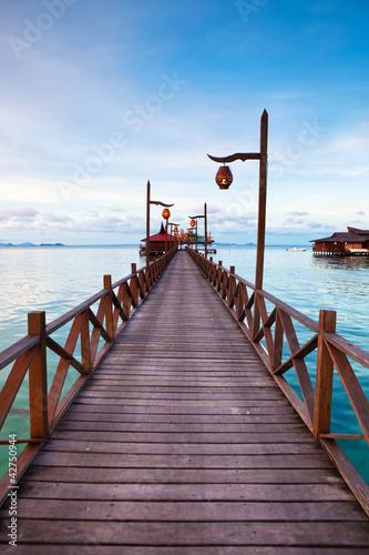 Naklejki na lodówkę serenity-boardwalk-na-tropikalnej-wyspie