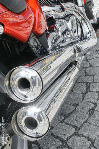 wydech-motocyklowy-z-tlumikami