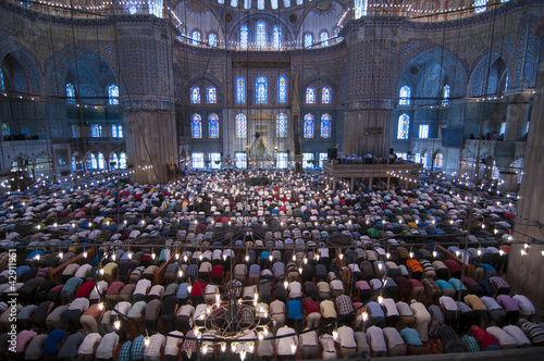 Photo  Muslim Friday prayer, blue mosque Turkey