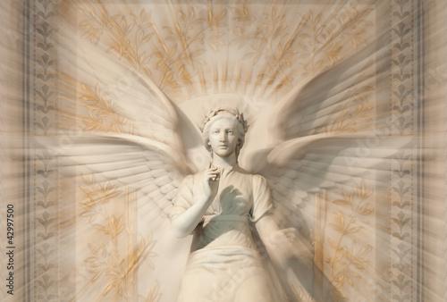 statua-kobieta-aniol