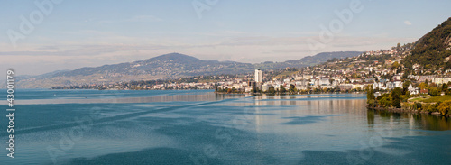Photo Lake Geneva in the Montruex region