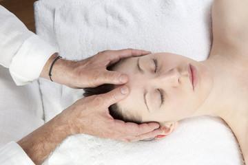 Fototapeta na wymiar ayurveda head massage
