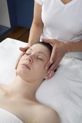 Fototapeta na wymiar facial soothing massage