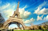 Fototapeta Fototapety z wieżą Eiffla - Eiffel Tower glory on a cold and sunny Winter day in Paris.