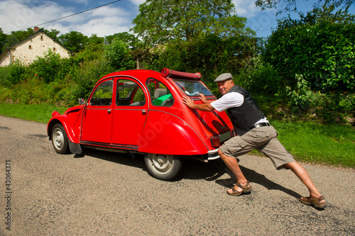 Photo  French man with car break down
