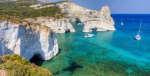 kleftiko-wyspa-milos-cyklady-grecja