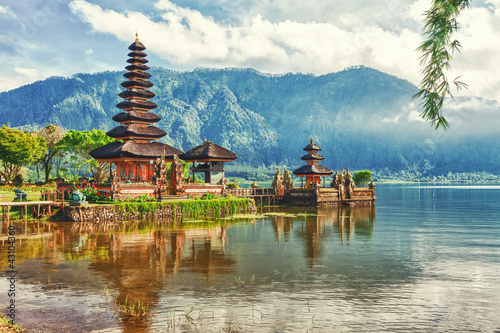 Wall Murals Place of worship Pura Ulun Danu