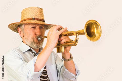 Photo  Jazzman in a hut