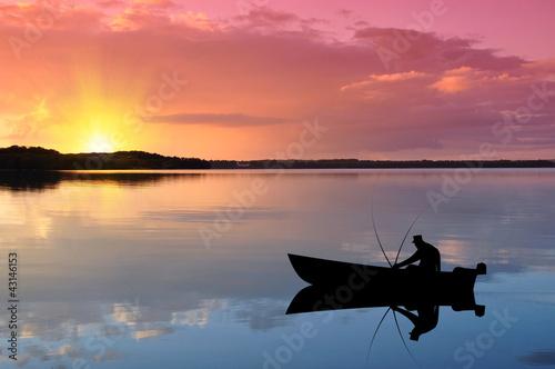 Fototapeta Angler auf dem See bei Sonnenuntergang