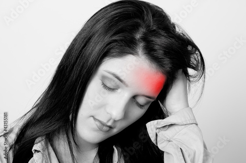 Poster Rouge, noir, blanc woman with headache, monochrome photo