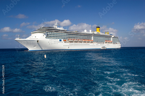 Fotografia  GRAND CAYMAN - CAYMAN ISLANDS - MAR 2: Costa Atlantica cruise sh