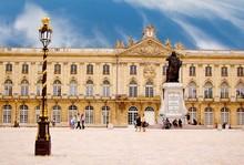 La Place Stanislas à Nancy En...