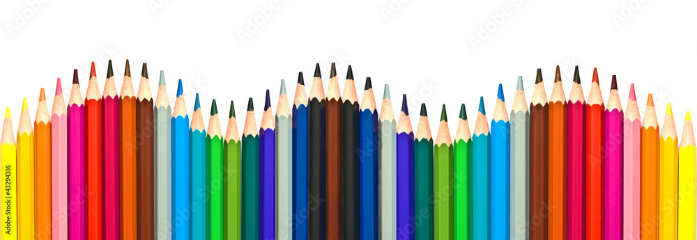 Fototapeta Crayons de couleur multicolores en forme de vague. Panoramique, isolé fond blanc