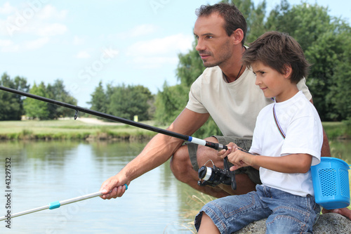 Papiers peints Peche Father and son fishing