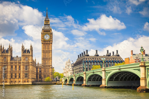 Big Ben and Houses of Parliament - 43306641
