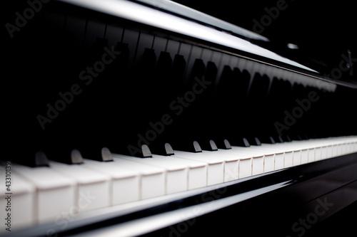 Fototapeta premium klasyczny fortepian z bliska