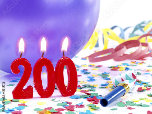 Fotografia  Birthday-anniversary party with candles  Nr. 200