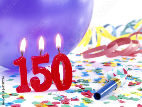 Fotografia  Birthday-anniversary party with candles  Nr. 150
